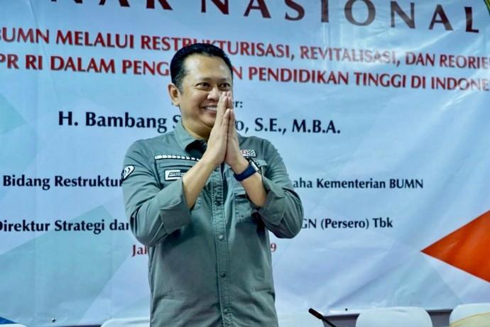 Ketua DPR RI Bambang Soesatyo (Bamsoet) saat menjadi pembicara utama dalam Seminar Nasional dengan tema 'Peranan DPR RI dalam Pengawasan Pelaksanaan Pendidikan Tinggi di Indonesia' di Jakarta, Sabtu (31/08/19). (Foto: ist)