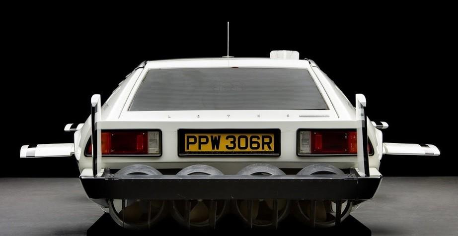 Mobil Kapal Selam James Bond Lotus Espirt. (Foto: Carscoops)