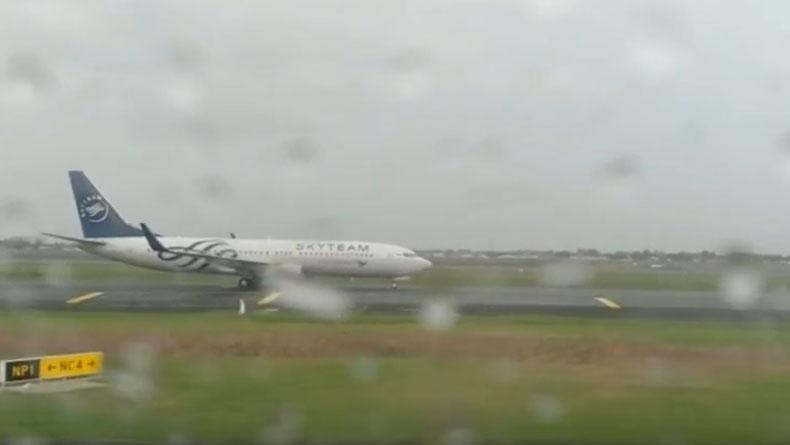 Pesawat terbang bertabrakan Bandara Soekarno Hatta (Soetta), Tangerang, Kamis (13/12/2019).  (Foto: iNews).