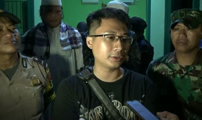 Lurah Karingin Jaya Ricky Suhendar, Senin (30/12/2019) (Foto: iNews/ Rachmat)