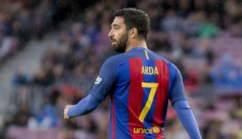 Karier Arda Turan di Barcelona hanya berlangsung singkat (Foto: Talk Sport)