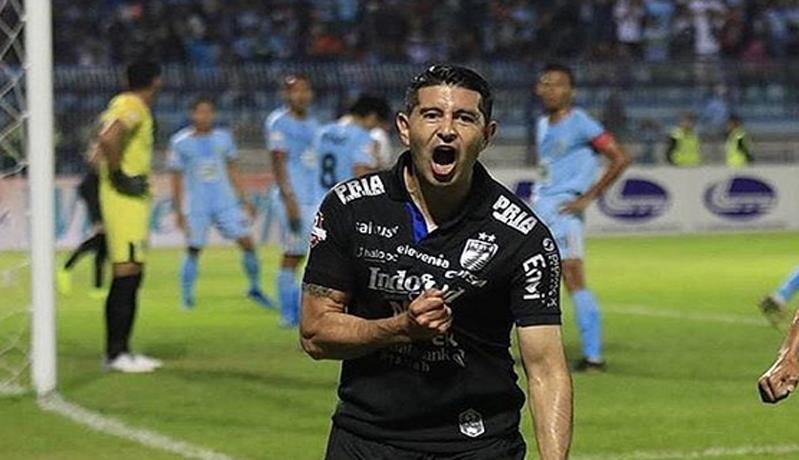 Gelandang Persib Bandung, Esteban Vizcarra (Foto: Instagram @este_vizcarra)