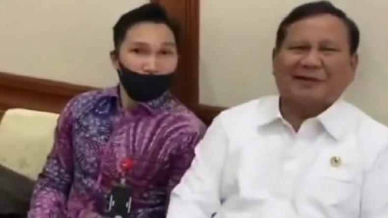 Aksi jail Menteri Pertahanan (Menhan) Prabowo Subianto. (Foto: Instagram).