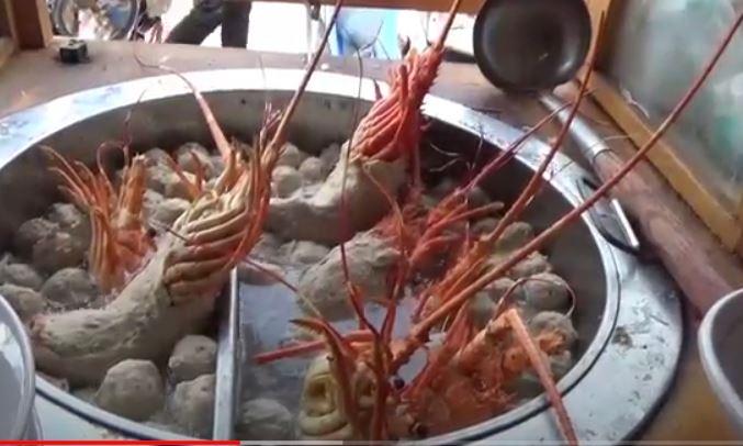 Bakso lobster di Bekasi viral di media sosial. (Foto Ist).