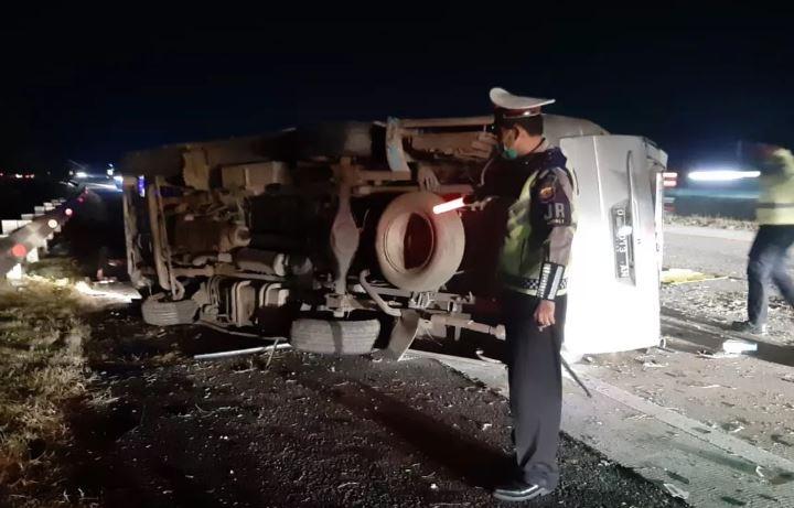 Kecelakaan mobil di Tol Cipali yang mengakibatkan 8 orang tewas. (Foto Ist).