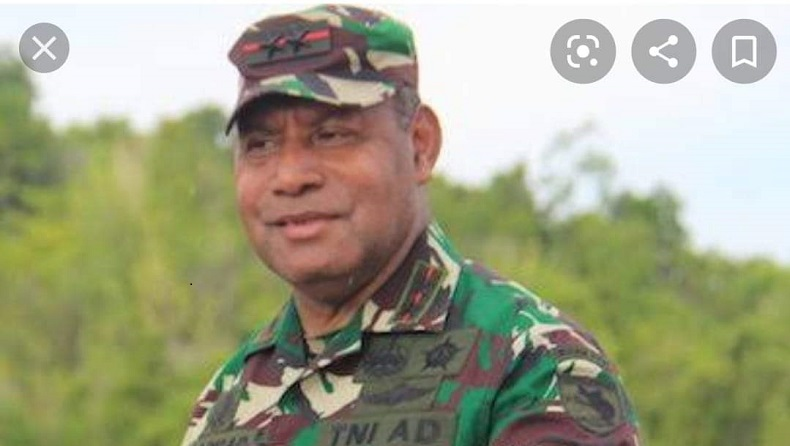 Letjen TNI Herman Asaribab semasa hidupnya. (Foto: Istimewa).