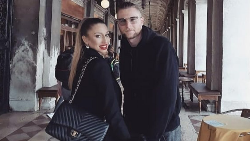 Barbora Hroncekova bersama sang kekasih, Milan Skriniar. (Foto: Yahoo Sport)