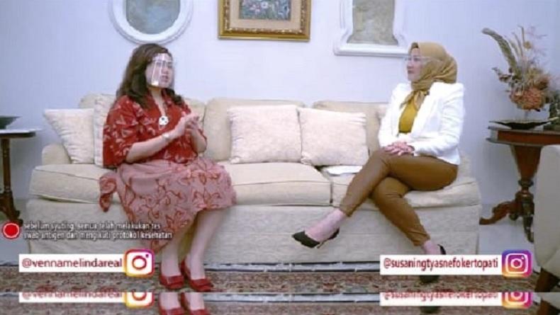 Susaningtyas Kertopati berbincang dengan Vena Melinda tentang sistem pertahanan Indonesia. (Foto: Ist/Sucipto).