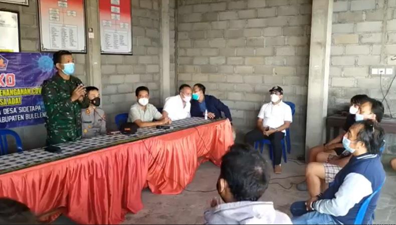 Mediasi kedua Dandim Buleleng dengan warga Desa Sidatapa di Wantilan Pura Bale Agung, Selasa (24/8/2021) sore. (Foto: iNews/Pande Wismaya)