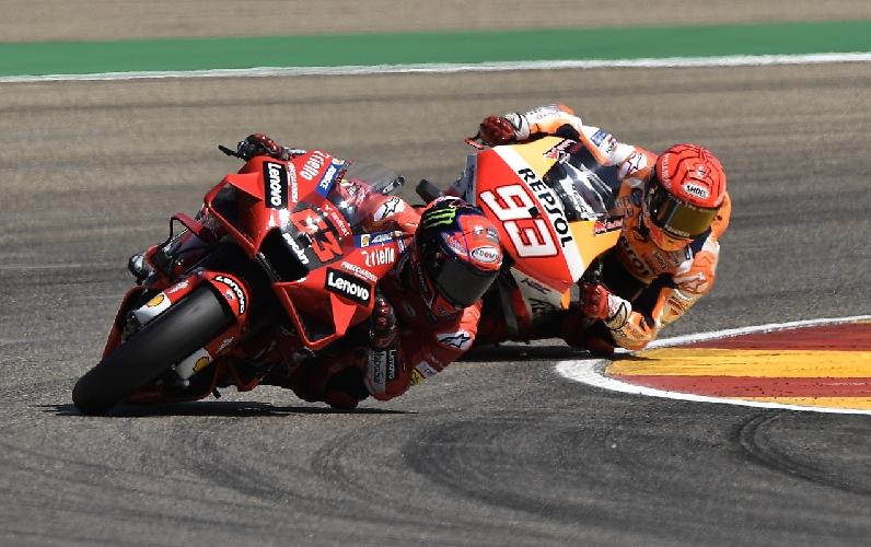 Pembalap Ducati Lenovo, Francesco Bagnaia jadi yang tercepat di MotoGP Aragon 2021. Bagnaia disusul Marc Marquez di posisi kedua. (foto: REUTERS).