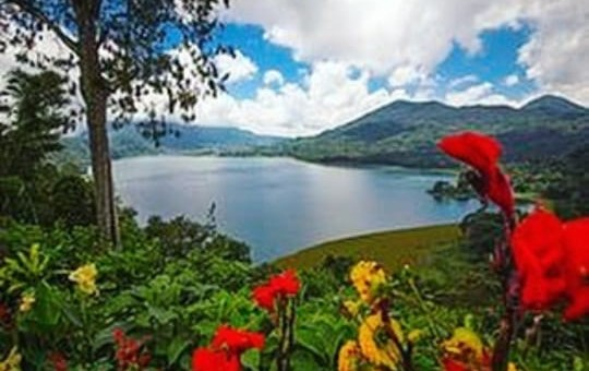 Danau Buyan, salah satu wisata di Buleleng Bali yang Instagramable. Foto: IG Danau Buyan Bali