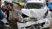 Sopir Mengantuk, Mobil Tabrak Tiang Tol BORR