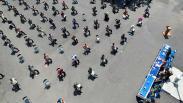 Rapat Sambil Berjemur di Halaman Kantor Pemerintah Kota Tegal