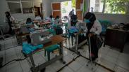 Semangat Penyandang Disabilitas Produksi Masker untuk Dibagikan Gratis