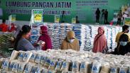 Ratusan Warga Serbu Lumbung Pangan Jawa Timur