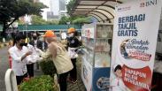 BNI Berbagi Takjil Ramadan untuk Masyarakat Jakarta