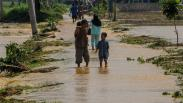 Sungai Cibereum Meluap, Permukiman Warga Lebak Terendam Banjir
