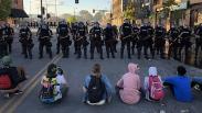 Kerusuhan di AS Meluas, Ribuan Demonstran Bentrok dengan Polisi