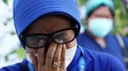 Suasana Haru Tim Medis Lepas Jenazah Dokter RSUD dr Soetomo Wafat Positif Corona