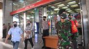 Pasar Tanah Abang Dijaga Anggota TNI-Polri Jelang Dibuka 15 Juni