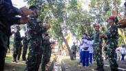 Melihat Latihan Ketahanan Fisik Prajurit Brigade Infanteri 2 Marinir