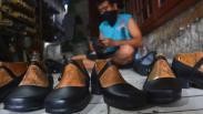 Sempat Berhenti Produksi, UMKM Sepatu Mojokerto Mulai Bangkit