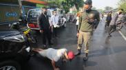 Pemkot Surabaya Gencar Razia Masker, Pelanggar Dihukum Push Up