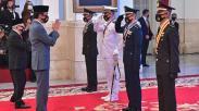 Momen 4 Perwira TNI-Polri Peraih Adhi Makayasa Dilantik Presiden Jokowi
