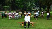 Presiden Jokowi Serahkan Bantuan Modal Kerja kepada Pedagang di Istana Bogor