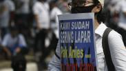 Aksi Damai Karyawan Tuntut Anies Buka Lokasi Hiburan Malam saat PSBB