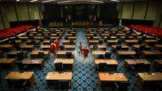 Anggota Dewan Positif Corona, Gedung DPRD DKI Jakarta Disemprot Disinfektan