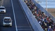 Jembatan Suramadu Dipadati Pemudik Sepeda Motor Menuju Pulau Madura