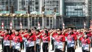 Ratusan Pekerja Ikuti Upacara HUT RI di Proyek Jakarta International Stadium