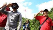 Perjuangan Pemuda-pemudi Bawean Kibarkan Bendera Merah Putih di Gunung Batu