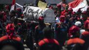Ribuan Buruh Unjuk Rasa Tolak Omnibus Law di DPR