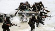Prajurit Raider TNI AD Latihan Pemeliharaan Kemampuan di Pantai Lampuuk Aceh