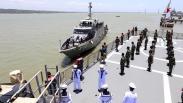 Periksa Alutsista TNI AL, Pangkoarmada II Inspeksi Kapal Perang