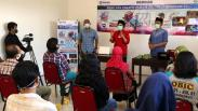 Fotografer Senior Jawa Timur Ini Bagikan Ilmu Memotret Produk kepada Pelaku UMKM