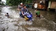 Hujan Deras, Kawasan Jatiuwung Tangerang Banjir 1 Meter