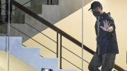 Serba Hitam, Ini Penampakan Mensos Juliari Batubara Menyerahkan Diri ke KPK