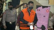 Penampakan Mensos Juliari Batubara Diborgol dan Pakai Rompi Tahanan KPK