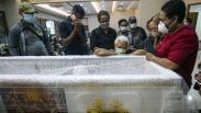 Jenazah Wakasad Letjen TNI Herman Asaribab Disemayamkan di RSPAD