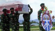 Jenazah Wakasad Letjen TNI Herman Asaribab Tiba di Papua
