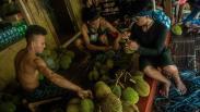 Warga Suku Badui Panen Durian, Dijual Rp30.000 per Buah