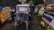 Jenazah Pramugari Sriwijaya Air Mia Tresetyani Wadu Dimakamkan di Nusa Dua Bali