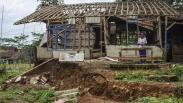 Akibat Pergerakan Tanah, 5 Rumah di Kampung Cigorowong Tasikmalaya Rusak