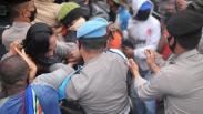 Polisi Bubarkan Paksa Aksi Mahasiswa Papua di Semarang