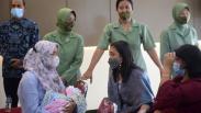 Suasana Haru Pemberian Santunan Keluarga Prajurit TNI Gugur di Medan Operasi