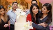 Momen Romantis HT Berikan Ucapan Selamat Ulang Tahun untuk sang Istri Liliana Tanoesoedibjo