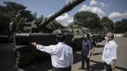 Erick Thohir Cek Tank, Senjata hingga Motor Listrik Buatan Pindad